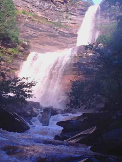 5 minutes to Kaaterskill Falls