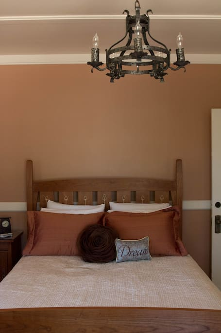 The Long View Room - Photo 2