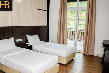 H. Benjamin Residence (Superior Room 3) - Penzion (B&B)
