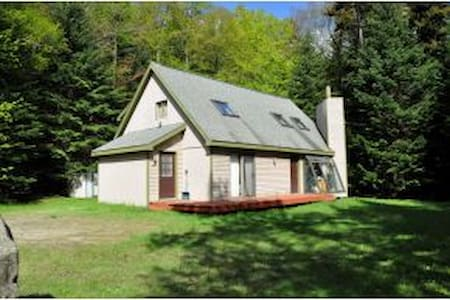 One Mile to Mt Snow, 5 Bed / 2 Bath - West Dover - Casa