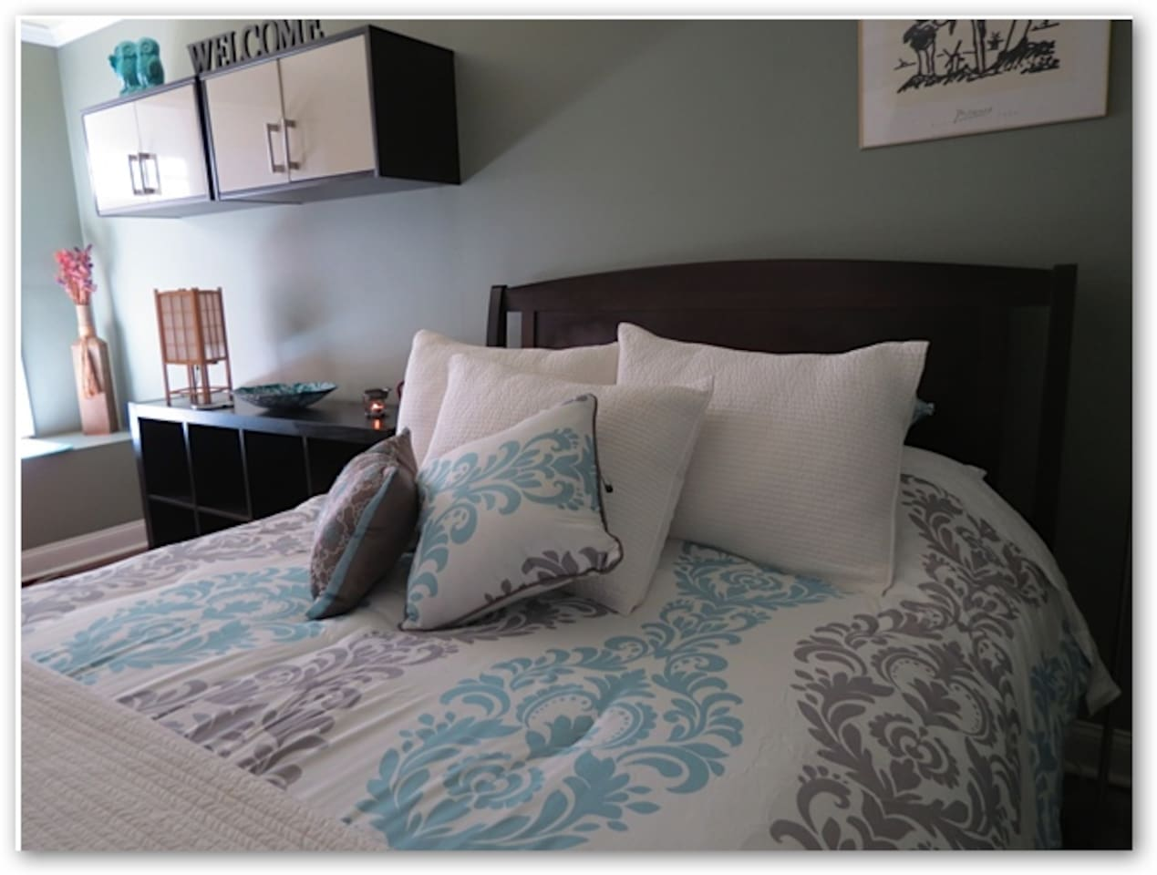Very comfortable Queen size bed in spacious bedroom!
