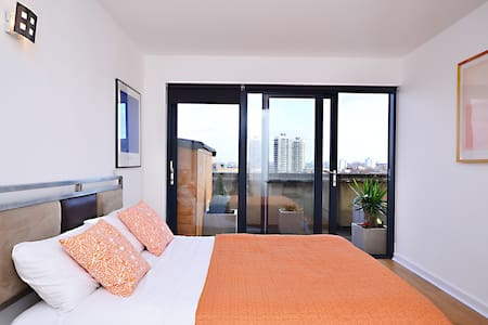 Penthouse 3 bedrooms 2 bathrooms