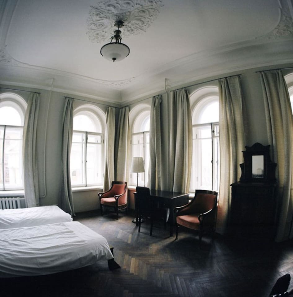 Silver (a room with five arched windows overlooking the old church)