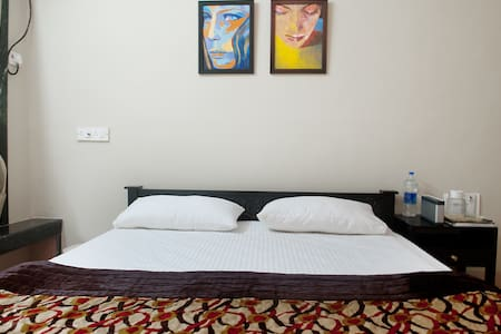Classy comfy private room in JUHU - Apartment