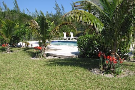 Affordable Beach Vacation I - Freeport - Apartment
