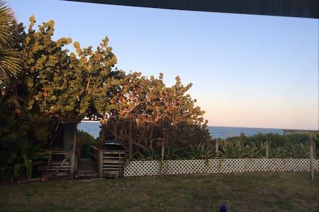 Casa~Playa - Private beach cottage