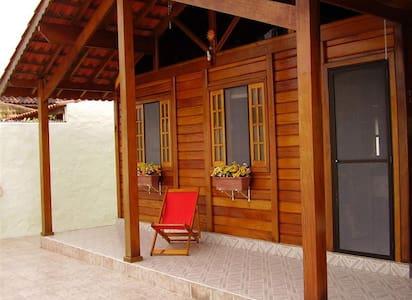Ilha Comprida-Casa Madeira-Paraíso do Descanso - Ilha Comprida