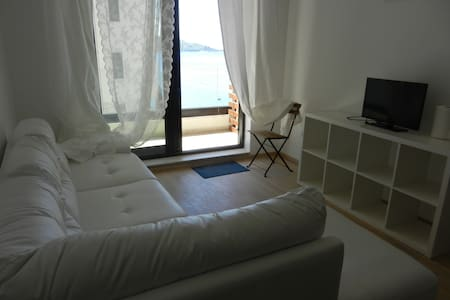 NEW Beautiful flat 20 meters to sea - Apartment