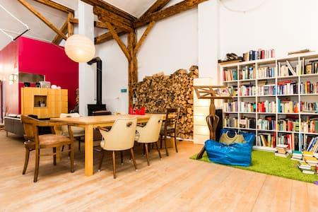Zimmer in Atelier/Loft - Apartmen
