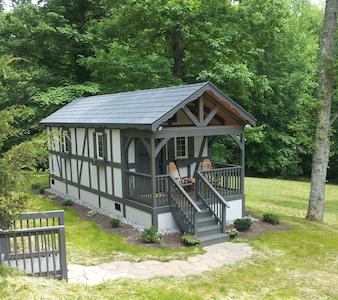 European Style Cabin  - Cabana