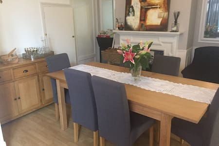 Clean house - Staines-upon-Thames - House
