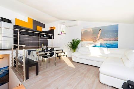 Mala Silex Apt. 2 Bedroom Penthouse - Appartement