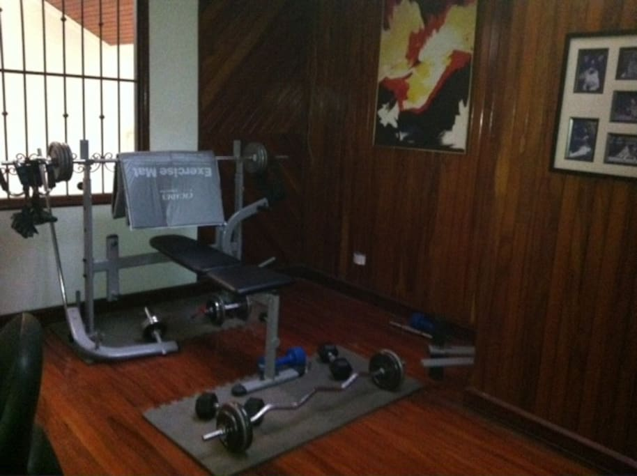 Mini gym on 3rd floor