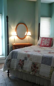 Amelia's Cottage Tx. Hill Country - Boerne - Bed & Breakfast