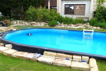 Maison ancienne rénovée avec piscine pour 6p - Gignac - House