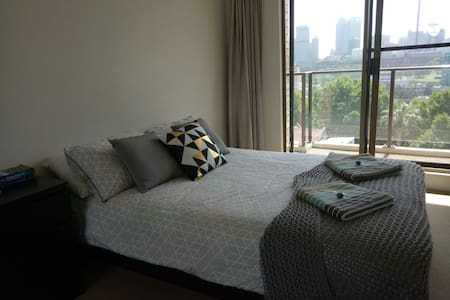 Master Room w/Balcony Amazing View+Rooftop Terrace - Potts Point - Flat