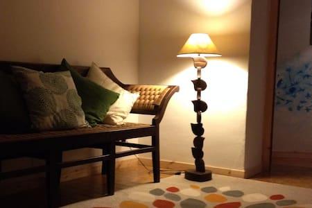 stanza in b&b familiare - Cascinette d'Ivrea - Bed & Breakfast