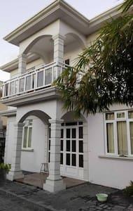 Cosy en-suite room near to Rose-Hill city center - Port Louis - Huis