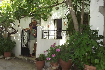 Traditional Village Home in Crete  - Heraklion - Huis