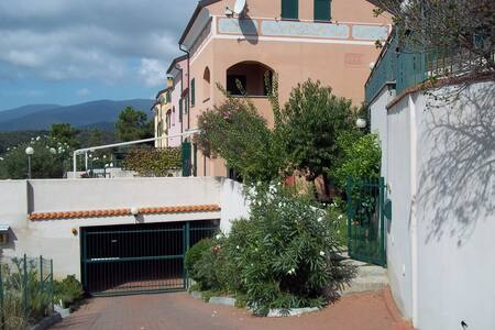 Favolosa vista su mare e monti - Bed & Breakfast