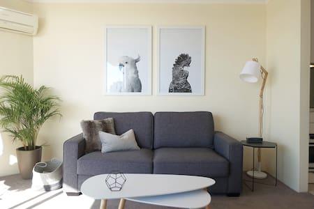 Comfy Designer Darlo View Studio - Darlinghurst - Apartment