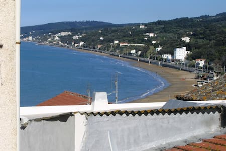 Sweet Home, Old Town, 250m from sea - House