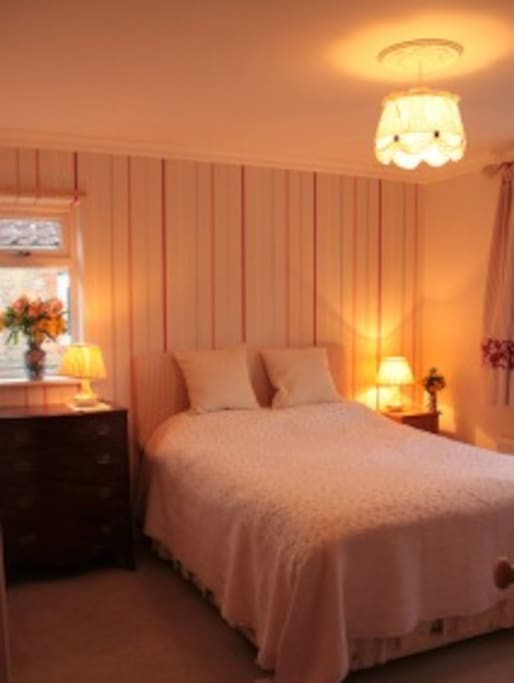 'Poppy and Stripes' double room with kingsize bed