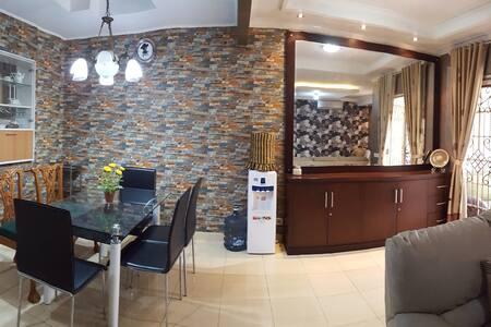 Villa in Sentul very spacious - Babakan Madang - Villa