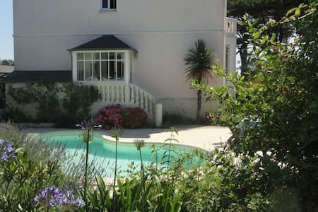 charm, beach(300m), pool, Normandy! - Casa