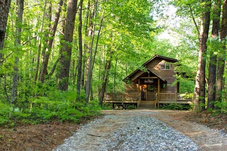 Room type: Entire home/apt Bed type: Real Bed Property type: Cabin Accommodates: 4 Bedrooms: 1 Bathrooms: 1