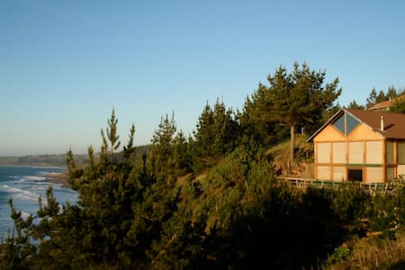 Gypsy Surf Private Beach Retreat  - Curanipe - House