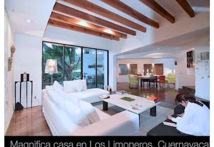 Limoneros, casa arte sustentable - Cuernavaca - House