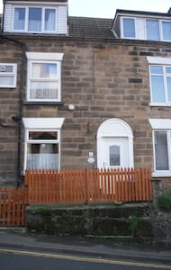 Calypso Cottage in whitby sleeps 4 - Casa