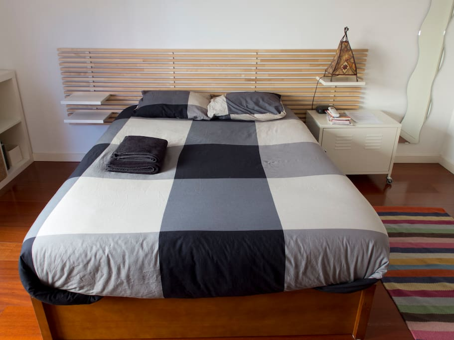 Double bed room in Anjos-Graça
