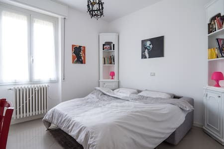 Private room in modern flat-stanza - Canonica d'Adda - Apartment
