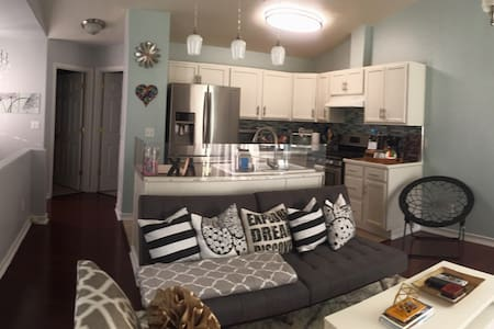 Elegant 1BR Suite in the heart of MidtownAnchorage - Apartamento