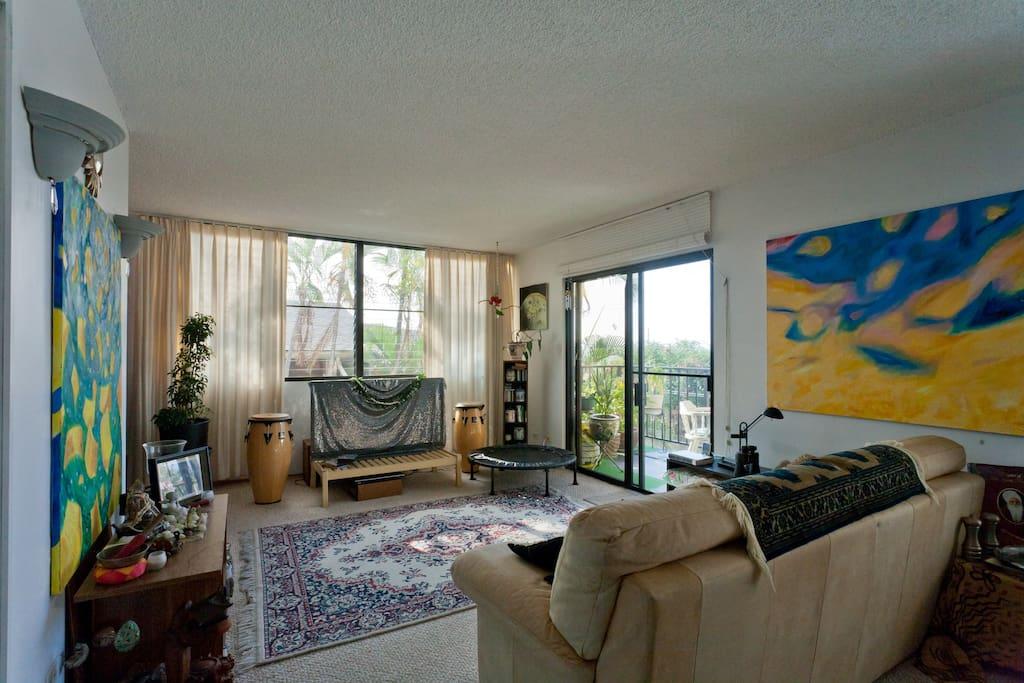 Private Room in Center of Kona