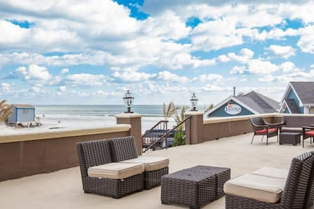 Brigantine  1 bd Condo on the Beach - Apartamento