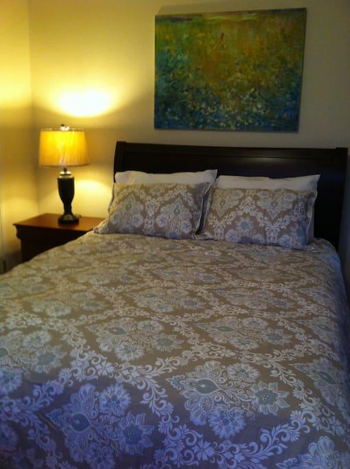 Cozy Room & Comfortable Bed