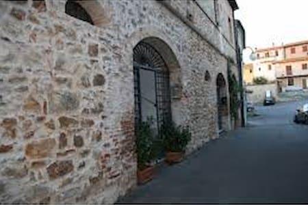 appartamento in un casale - Batignano - Apartment