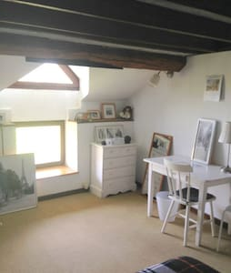 chambre n° 2 chez Mamie Blanche  - Bed & Breakfast