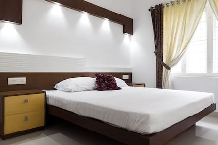 Luxury Apartment behind Oberon Mall - Kochi