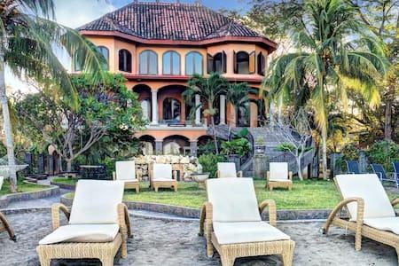 Casa Taj beachfront luxury villa - Playa Flamingo - Villa