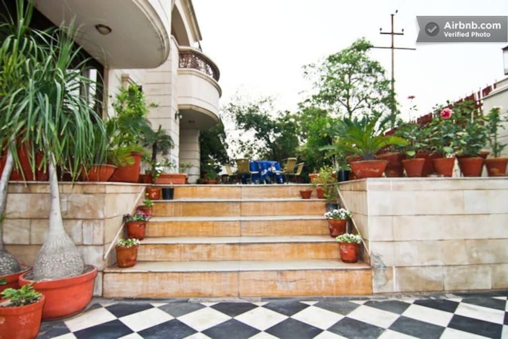 Contemprory apartment in Noida