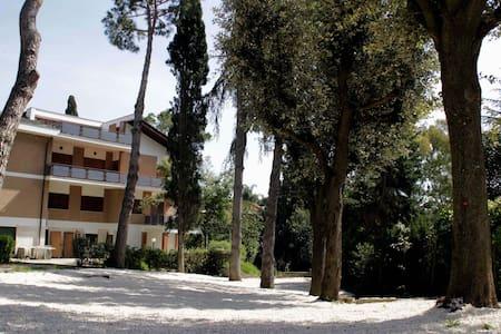 """Apt """"Lavanda"""" in Villa with pool - Apartment"""