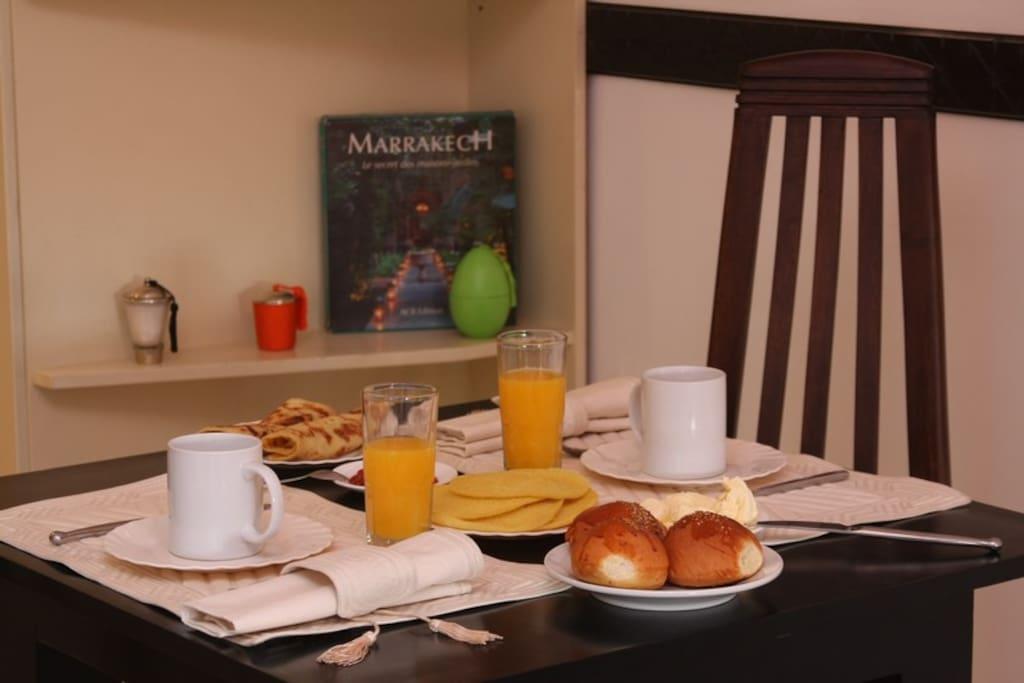 Pour 1, pour 2 ou pour 4 vous pourrez commander de succulents petits déjeuners traditionnels marocains
