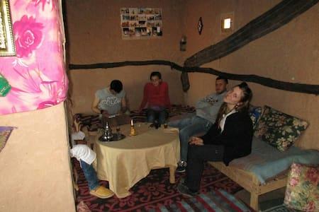 bivouac family smanino - Mhamid - House