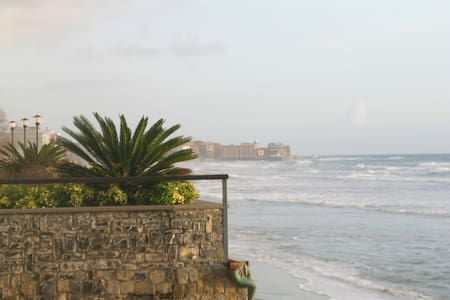 Acciaroli sulla spiaggia 4 letti - san mauro cilento