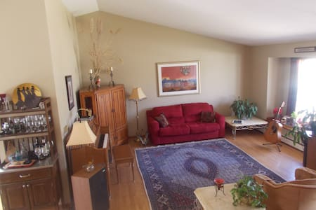 Lovely & Spacious Home in Niwot! - Niwot - Dům