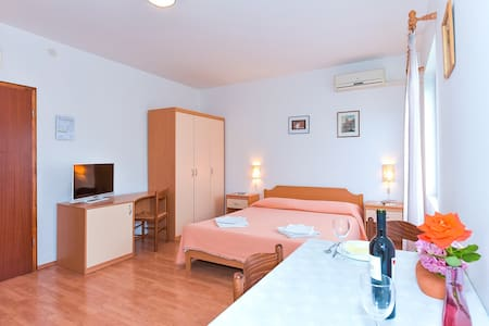 ADRIA APARTMENT studio - Huoneisto